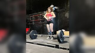 Badass College Girl deadlifts 350 pounds. - Fit Girls