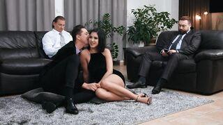 Whynotbi: Sex On Display