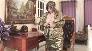 Granny gets sexual satisfaction