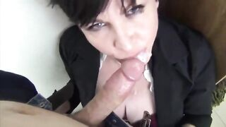 Gals Finishing The Job: Dilettante Milf finishes with her throat