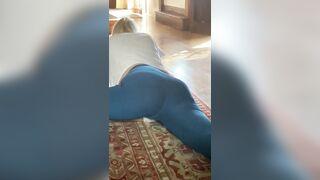 BKUE ASS YOGA PANTS - Girls in Yoga Pants