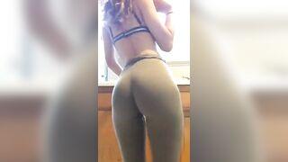 amazing tight leggings dancing girl !!!