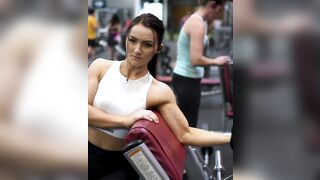At the gym - Fit Girls