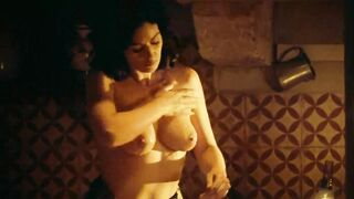 Grab Her Boobs: Monica Bellucci washing her breasts and sensually rubbing 'em with lemon juice - Malena